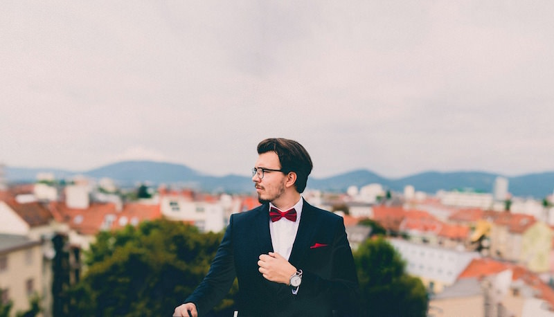 suit-691849_1280