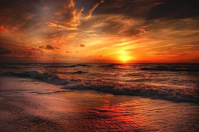 beach-2179624_640