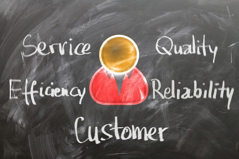 customer-1253483_1280